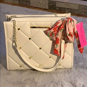 Bestsey Johnson quilted studded bag